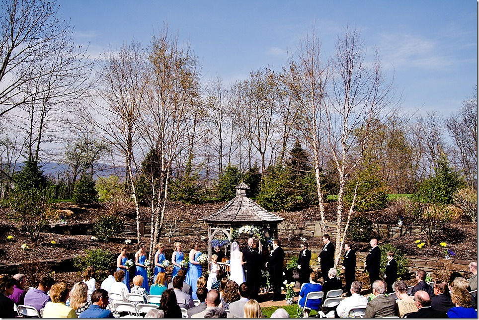 Outdoor wedding ceremony at Whispering Pines, Carlisle PA