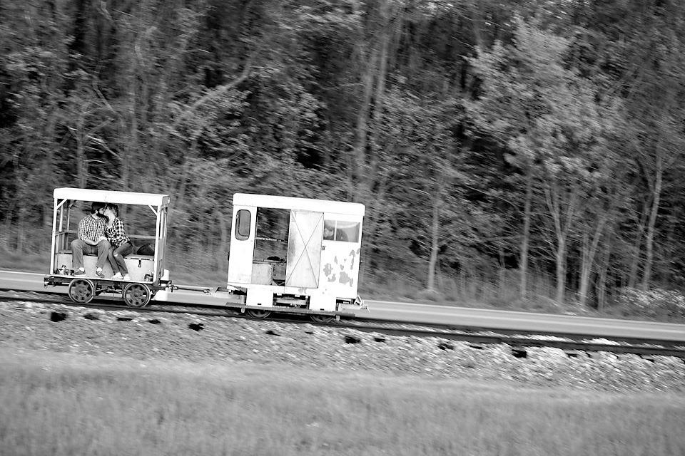 railcar kiss