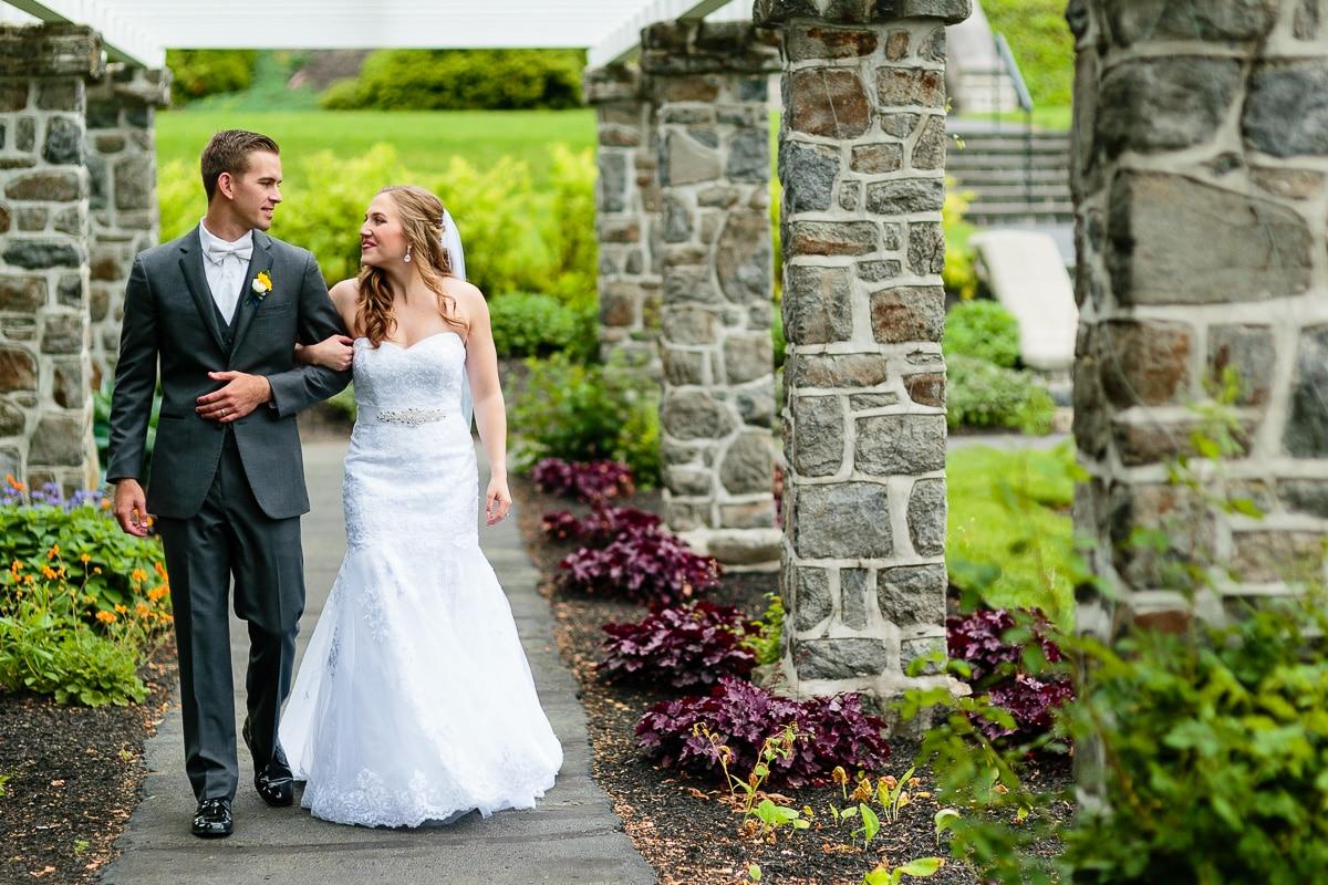 Elizabethtown Wedding Photographers